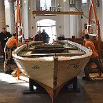 Zwei Flüchtlingsboote legen in Refrath an