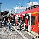 Barrierefrei und überdacht: Neuer Bahnsteig ist fertig