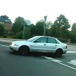Gefährliche Begegnung im Kreisverkehr