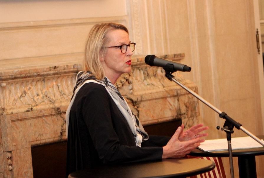 Petra Oelschlägel, Direktorin des Kunstmuseums Villa Zanders in Bergisch Gladbach. Foto: Martin Rölen