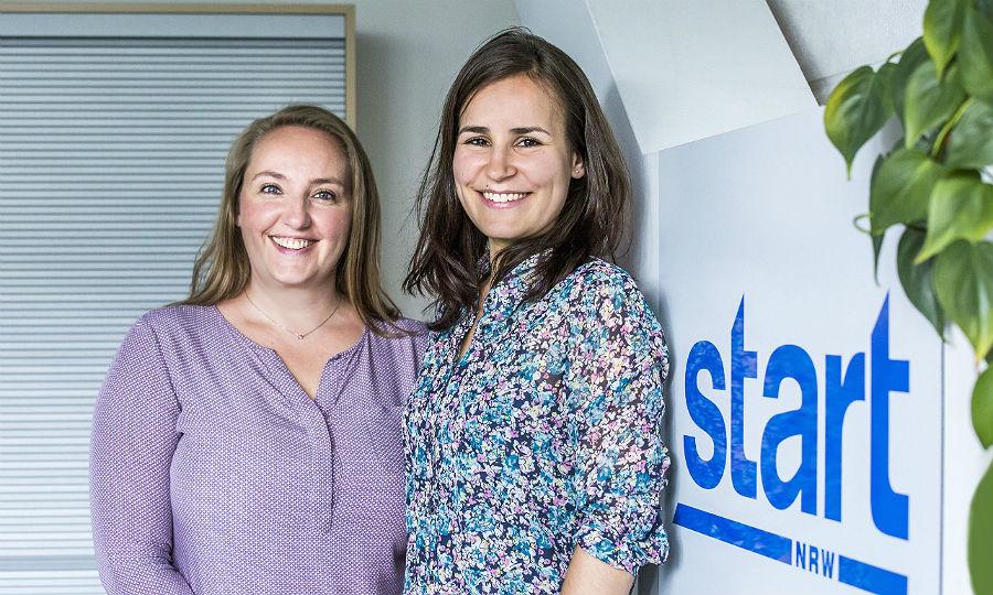 Dr. Catherine Linn (rechts) bewarb sich nach ihrem Studium bei Victoria Rogalski von der START NRW GmbH und fand so zu BioGenius.