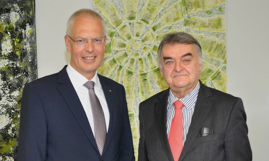 NRW-Innenminister Herbert Reul mit Landrat Hermann-Josef Tebroke
