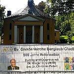 Gregor Gysi erklärt in der Gnadenkirche die Reformation
