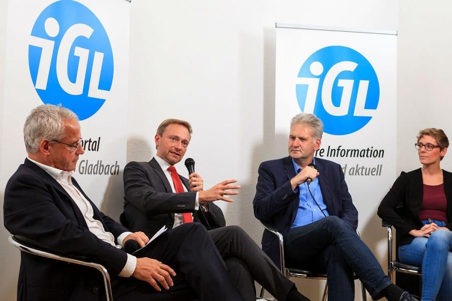 Christian Lindner im Gespräch mit Martin Wiegelmann, Georg Watzlawek, Laura Geyer. Foto: Thomas Merkenich