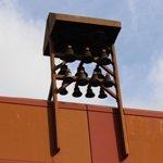 Glocken am Bergischen Löwen spielen Herbstmelodien