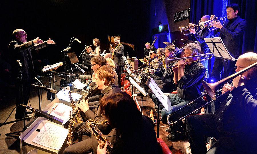Das Blue Art Orchester der Städtischen Max-Bruch-Musikschule in Bergisch Gladbach. Foto: Gerhard Richter