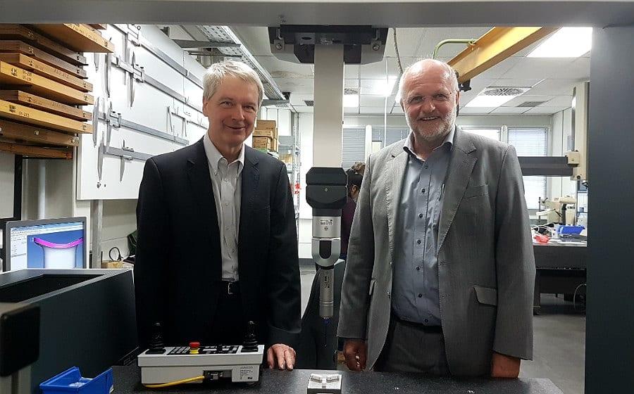 Hanspeter Vogel und Michael Peiniger haben Research Instruments vor 30 Jahren aus den Interatom Resten heraus gegründet. Das war aber nur der Anfang.