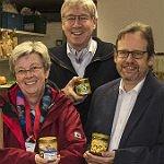 Bienenzuchtverein spendet Honig für die Tafel