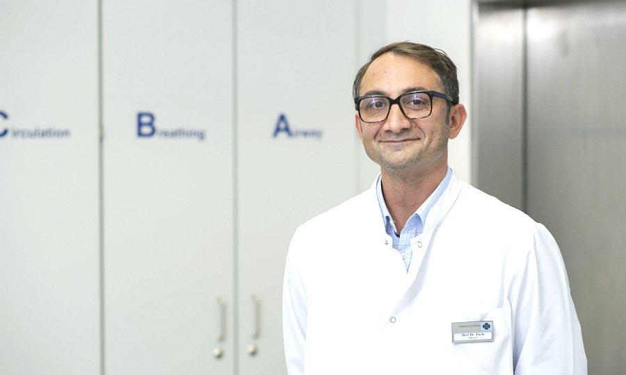 Ertugrul Tüylü ist Chefarzt der Wirbelsäulenchirurgie am Marien-Krankenhaus Bergisch Gladbach (MKH) und Vinzenz Pallotti Hospital Bensberg (VPH).