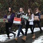 NCG-Schüler packen 130 Päckchen für die Tafel