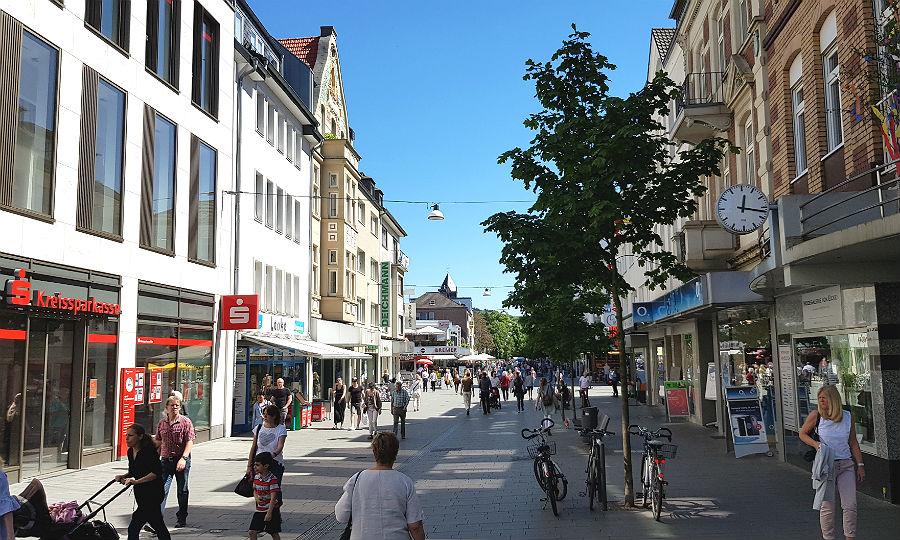 1e16d3029ede30 ... müssen KSK-KundInnen künftig weitere Wege zurücklegen  Die Bank legt  mehrere Filialen in Bergisch Gladbach zusammen