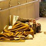 Stadt macht Unterkunft für Obdachlose neu – und klein