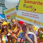 """Arbeiter Samariter """"Bunt"""" demonstriert für Vielfalt"""