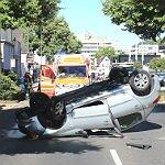 Spektakulärer Unfall legt Innenstadt still