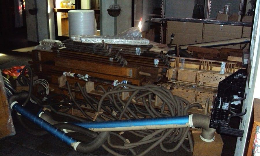 Die alte Paffrather Orgel kurz vor ihrer Abreise nach Italien