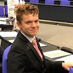 17-Jähriger spielt vier Tage lang Abgeordneter