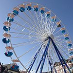 Das Riesenrad krönt die Laurentiuskirmes