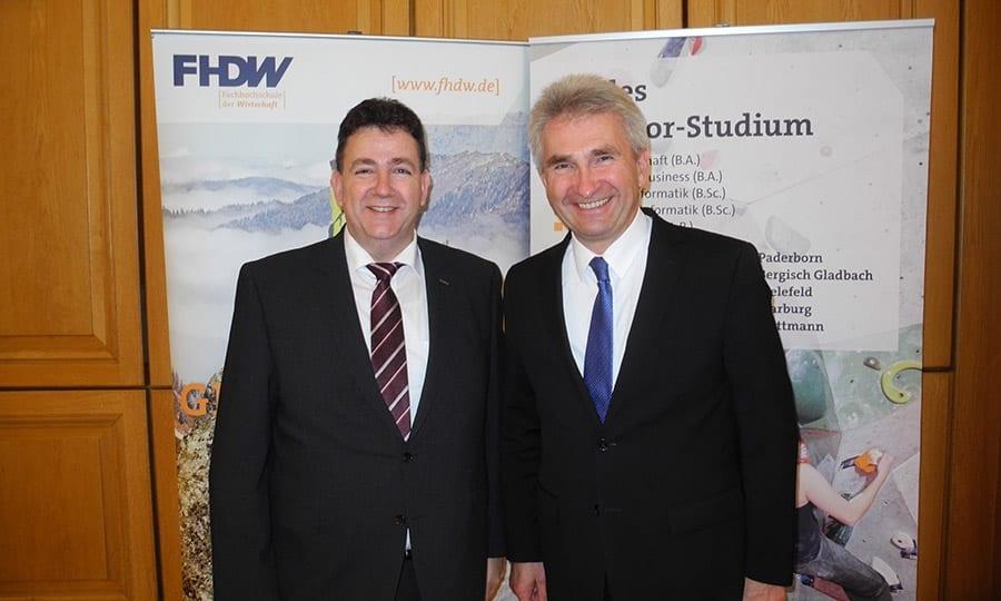 Als Festredner konnte Alexander Brändle, Leiter der FHDW Bergisch Gladbach, NRW-Wirtschaftsminister Andreas Pinkwart begrüßen.
