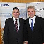 Andreas Pinkwart verabschiedet FHDW-Absolventen