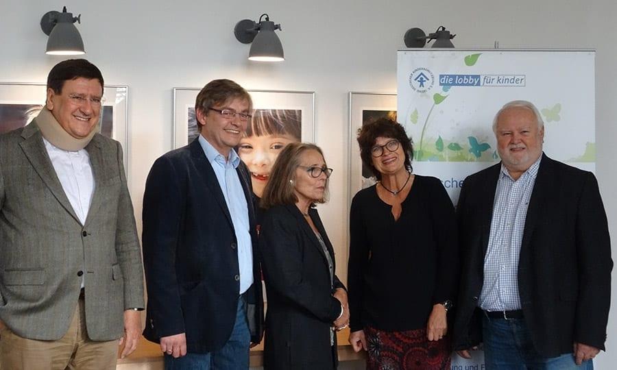 Aktionsstart mit Reinhard Blunck (Schatzmeister DKSB), Michael Zalfen (Vorsitzender DKSB), Astrid Ruiters (Bethe-Stiftung), Katrin Fassin (pädagogische Leitung DKSB), Dr. Johannes Bernhauser (stellv. Vorsitzender (DKSB).