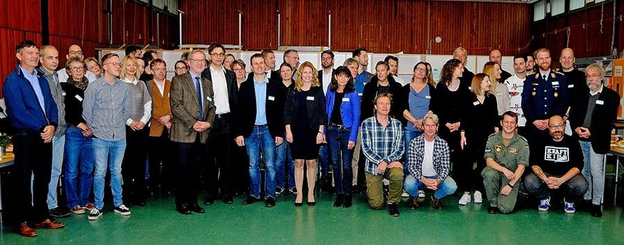 Referentinnen und Referenten mit Schulleiter, Präsident des RotaryClub GL und Leiter des Berufsdiensts RotaryClub GL