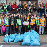 Französische SchülerInnen machen Kunst aus Müll