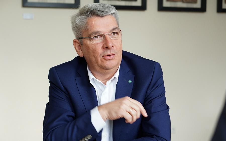 Lutz Urbach im Gespräch mit dem Bürgerportal Bergisch Gladbach. Foto: Laura Geyer