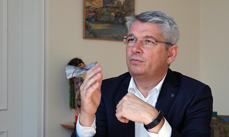 Porträt Lutz Urbach