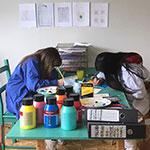 Kinder machen Kunst und gestalten die (Um-)Welt