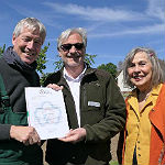 Viele Helfer machen ersten Wildbienenpark in GL möglich