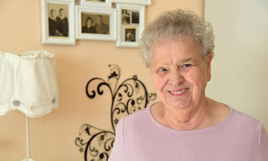 Josefine Schupp hat das Down-Syndrom, jetzt feiert sie ihren 80. Geburtstag in Bergisch Gladbach