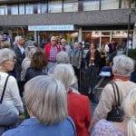 Schlossstraße: Trauerflor an gesunden Bäumen