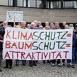 Lauter und stiller Protest vor dem Ratssaal in Bensberg