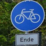 Ganz nebenbei … ein Dilemma am Radweg