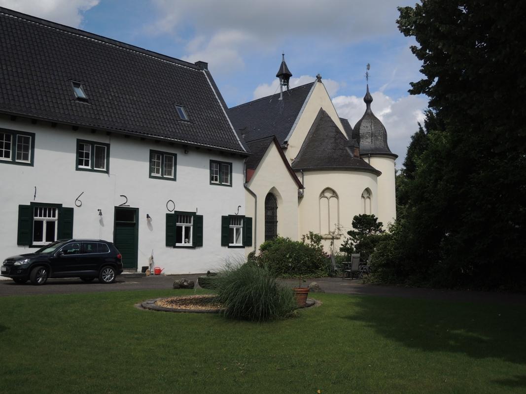 Klosterhof und Kirche Dünnwald